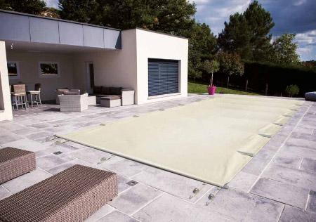 Couverture à barres piscine